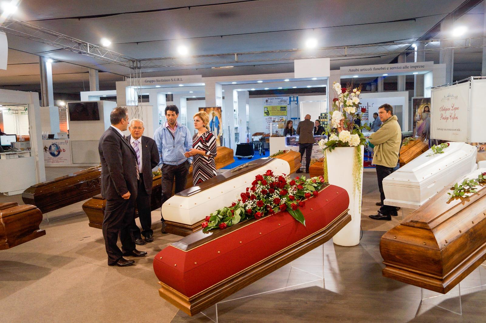 Tenerexpo 2019 esposizione internazionale arte funeraria for Arredi cimiteriali